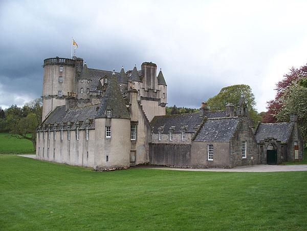 Castle Fraser approach