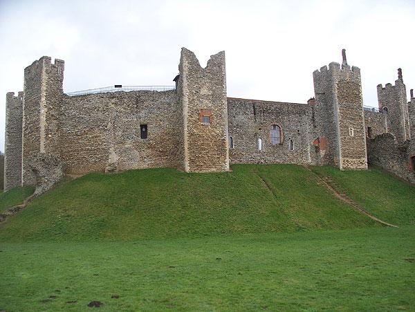 Castle wall, exterior