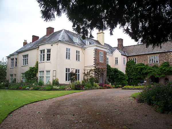 Tiverton Castle, mansion
